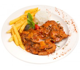 Schnitzel saser with tomato sauce and mushrooms
